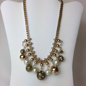 Jewelry - Gold Large Link Necklace w/ Gold/White Balls
